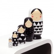 black_and_white_nesting_dolls_d_web_Hollekebolleke_online_webshop_kinderkleding